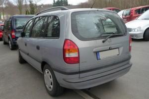Opel Zafira A Heck schräg