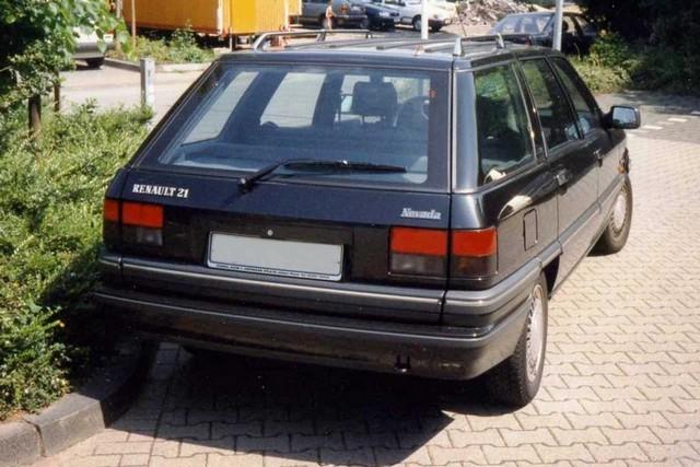 Renault 21 - viel Raum, leider auch für Mängel