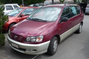 Toyota Picnic Front schräg