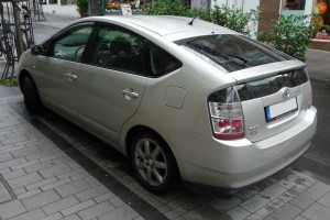 Toyota Prius II Heck schräg