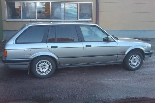 BMW 3er E30 - vor allem als Cabrio noch immer präsent