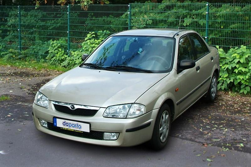 Mazda 323 VI (Typ BJ) - bis auf die Hinterachse unauffällig