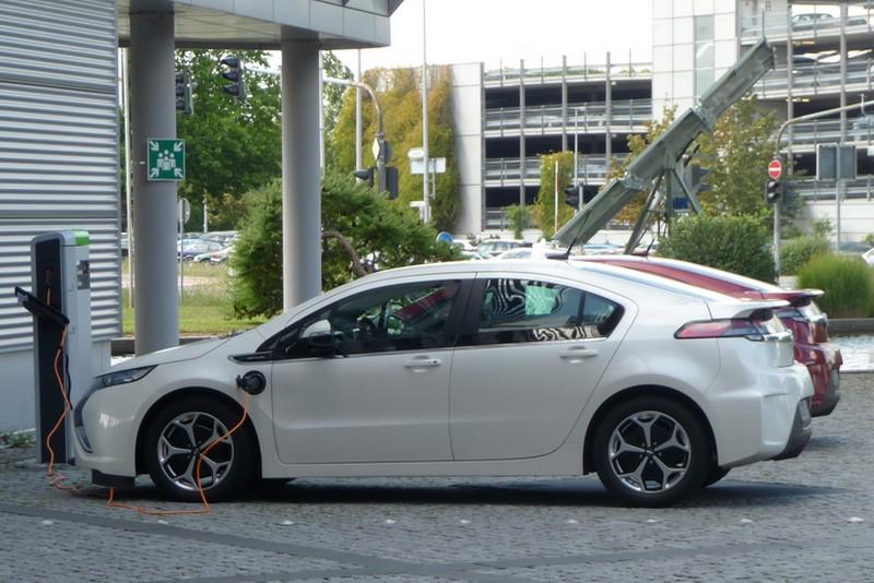 Alternative Antriebe - Hybrid, Elektro, Brennstoffzelle?