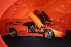 Autotuning Lamborghini orange