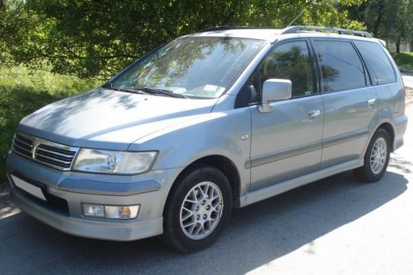 Mitsubishi Space Wagon III - der 7-Sitzer für zwei Personen