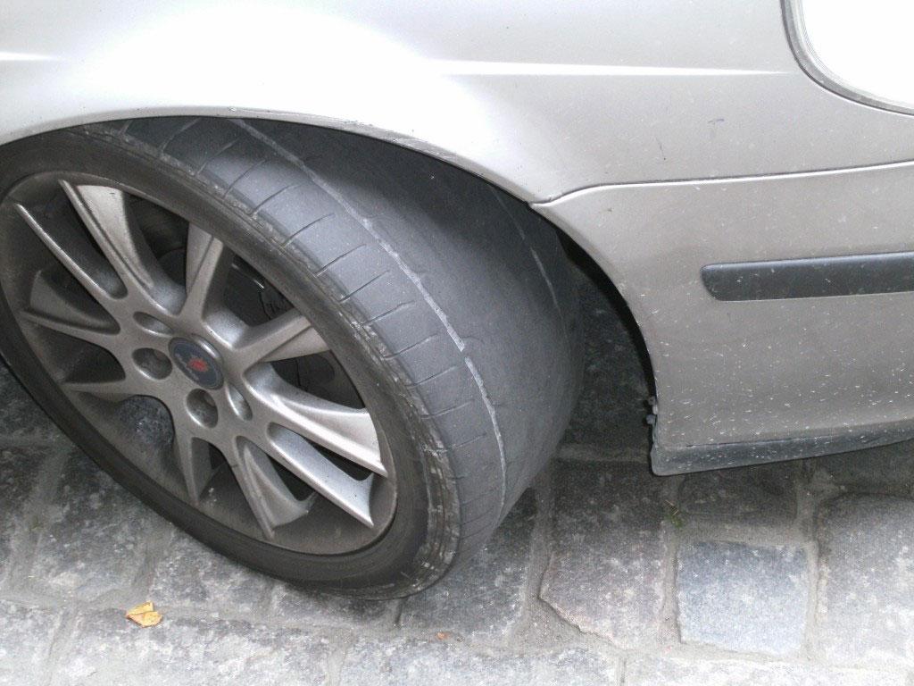 """Abgefahrene Reifen – der """"TÜV"""" in anderen Ländern"""